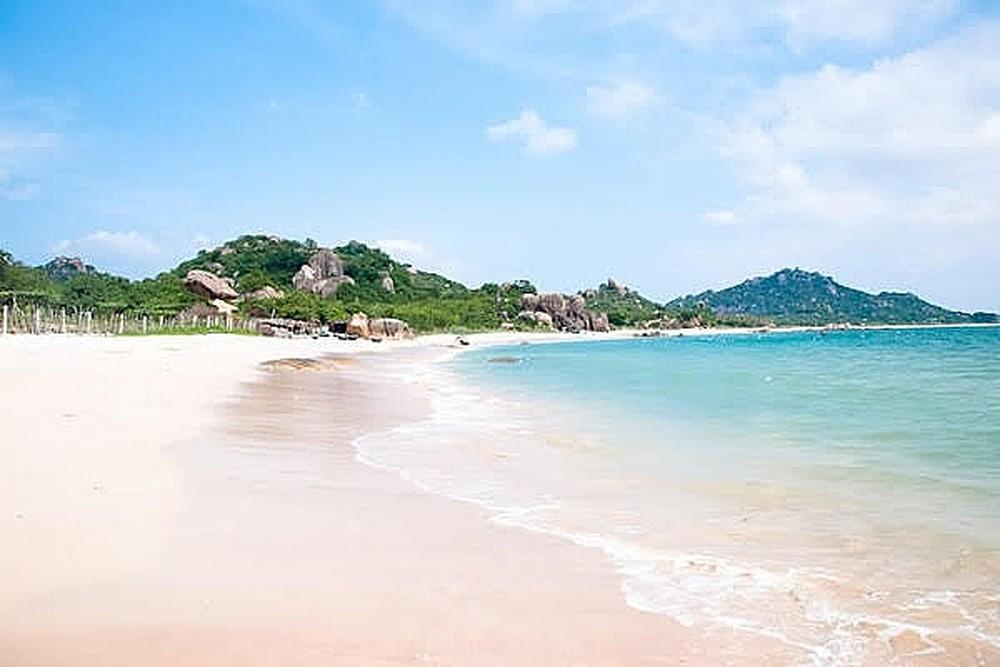bãi biển vàn chảy ở cô tô